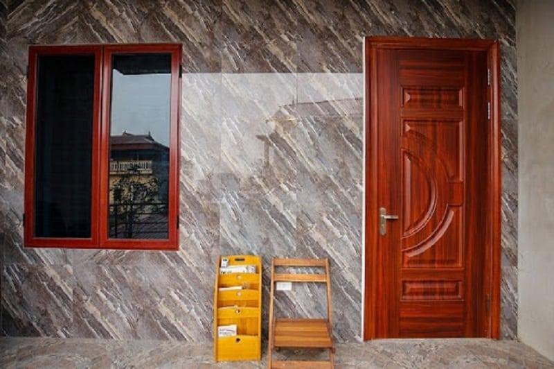 Mẫu cửa sổ gỗ đẹp dành cho phòng ngủ giúp căn phòng thông thoáng, không có cảm giác bức bối