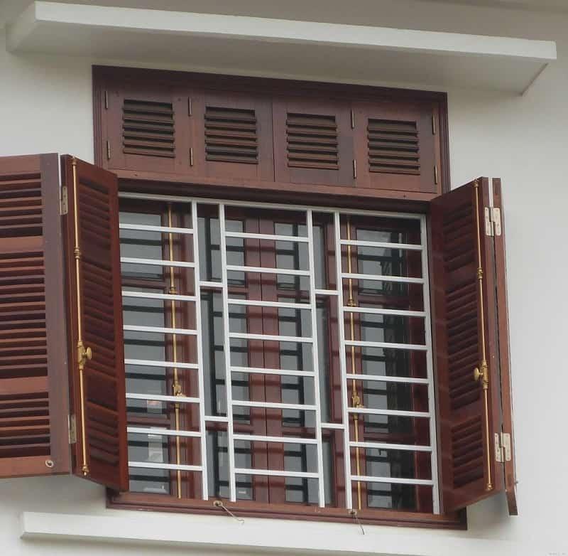 Cửa sổ gỗ đẹp hợp phong thủy sẽ không thiết kế cửa sổ lớn hơn cửa chính và không đối diện cửa chính