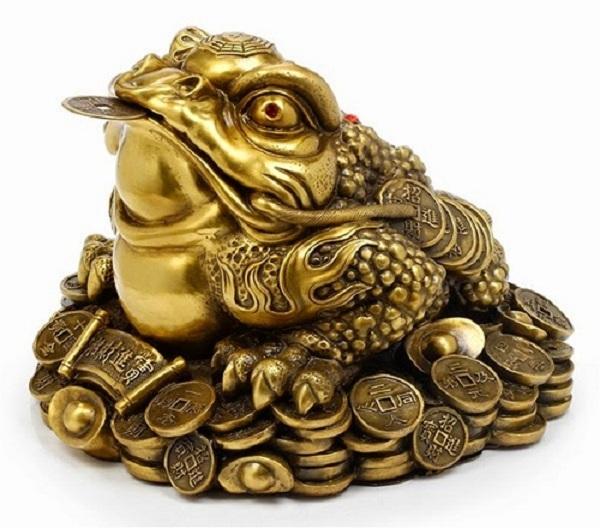 Để khai quang cóc ngậm tiền cần phải có sư phụ của Đạo giáo tiến hành, không có sư phụ thì có thể khai quang!